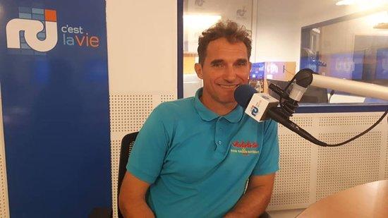 Benoit votre guide et moniteur au micro de RCI Martinique