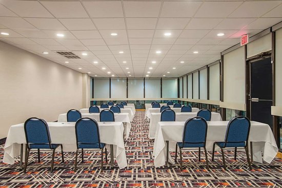 La Quinta Inn & Suites by Wyndham DC Metro Capital Beltway: Meeting Room