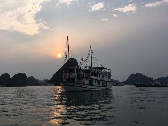 2-dages, 1-nat Halong Bay Discovery Cruise fra Hanoi-billede