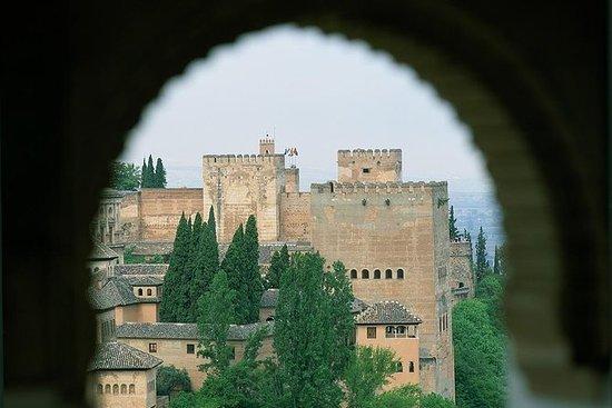 Alhambra og Generalife Private Guided...