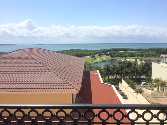 GR Solaris Cancun: Lake-view from 3er floor room