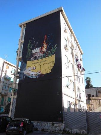 Uno dei murales