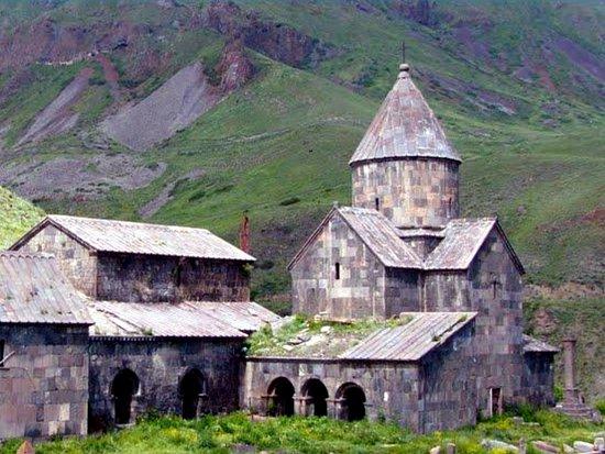 с. Воротан, Армения: Vorotnavank Monastery