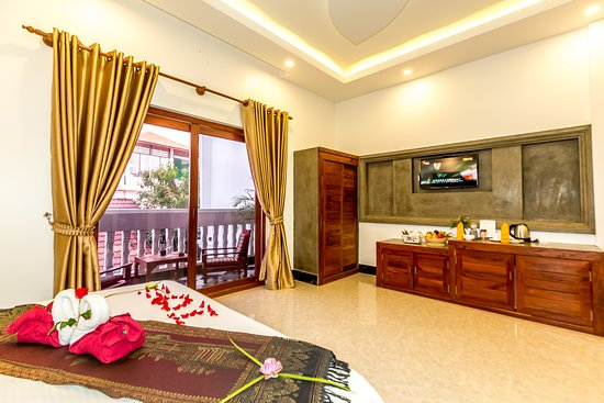Siem Reap, Cambodia: The Deluxe Double Rooms are designed to provide guests of 60 sqm for two adults with Balcony and Pool View, exquisite comforts. Sink into a comfortable Stearns and Foster mattress while relaxing in front of a flat-screen TV, and prepare to explore the city from an incomparable retreat.