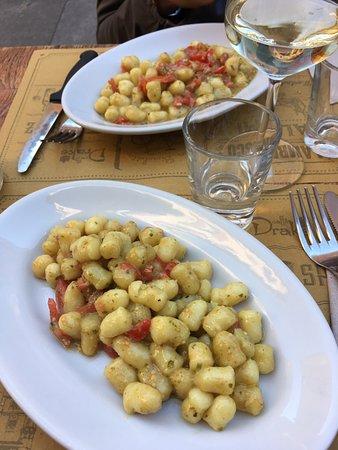 Gnocchetti pesto e pomodorini