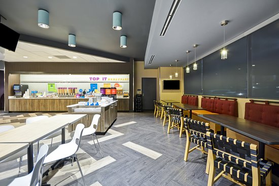 Complimentary Hot Breakfast Buffet - Foto Tru By Hilton Orangeburg, Orangeburg - Tripadvisor