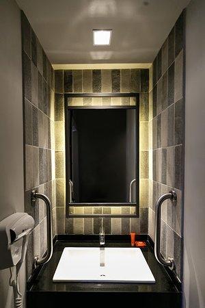 Banheiro novo apartamento.