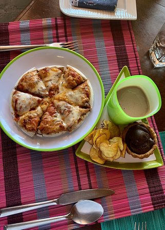 Café Diem gets the Luxlife Award for cafe if the year 2019 -Nilgiris district