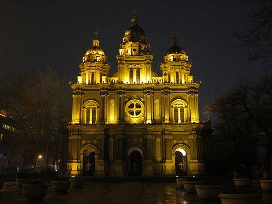 天主堂夜景