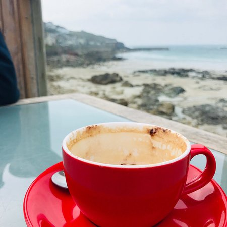 Sennen Cove Beach: Great views great beach poor cafe food and service