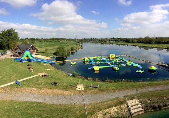 Bedford, UK : Set in 100 acres of landscaped grounds, centred around two purpose built water-sports lakes, Box End Park offers safe and exciting activities to all ages and abilities.