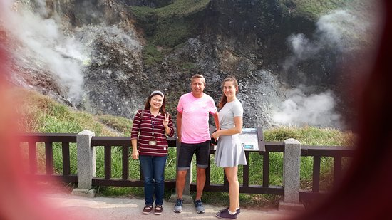 Guide Tour, rental car , driver through  contact no. +886986033381, email lili99lili99@yahoo.com.tw
