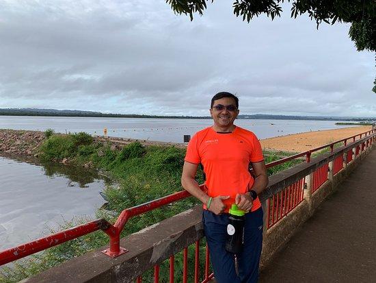 Lugar perfeito para uma caminhada/corridinha matinal! Ar puro e uma vista maravilhosa fazem parte do contexto da Orla de Altamira! Recomendo!