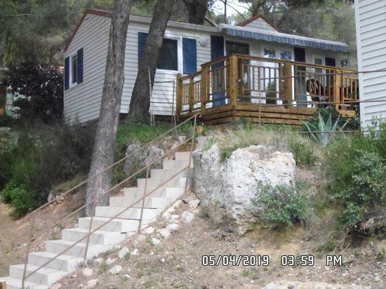 Camping Residentiel la Pinede: Photo du bungalow