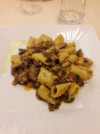 Trattoria Fiorenza: Paccheri al sugo di anatra e spinaci