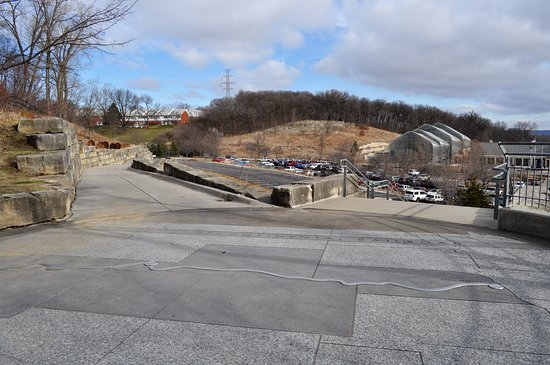 Kenefick Park: Ramp or stairs