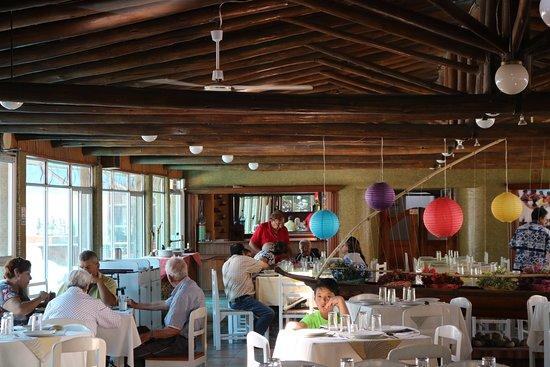 Ambuqui, Ecuador: Restaurante: abierto de 7: 00 H -  21:00 H  Desayunos Menú almuerzo  Menú cena