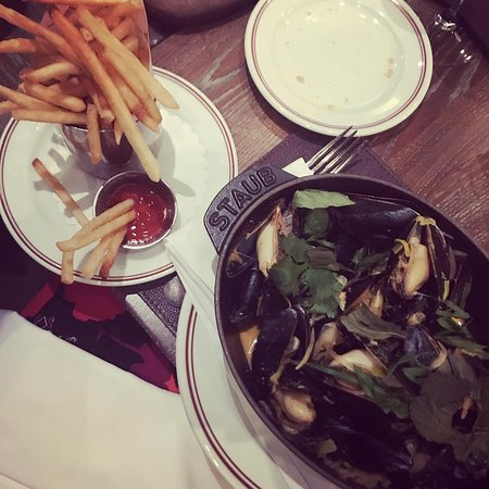DBGB Kitchen and Bar: Mussels & Fries