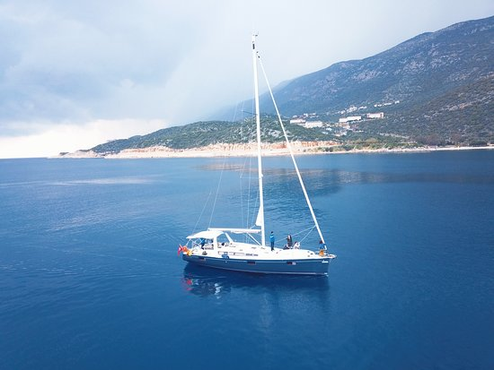 Kas, Turkey: Have you considered a yacht sailing holiday for your next trip? Sailing yacht Tundra is such a great way to travel with families and small groups. The experience is even better when it involves exploring a stunning region such as the southwest coast of Turkey.