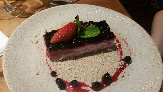 British blackcurrant & Prosecco cheesecake £6.50, ( prosecco not noticeable, but lovely blackcurrants) - perhaps it should be served with a glass of prosecco ?