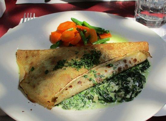 La Crepe Michel : Crepe Entinards Artichauts (spinach/artichokes/goat cheese)...