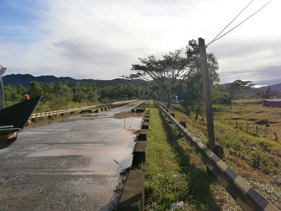 Nueva Vizcaya Province, ฟิลิปปินส์: Nueva Vizcaya road. Philippines.Going to Baler