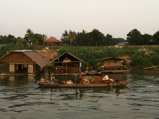 Mekong River: country life