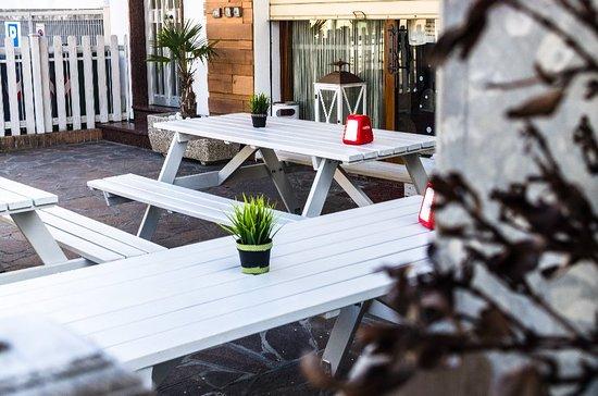 Non sentite anche voi aria di primavera? Le giornate si stanno allungando; è perfetto per mangiare all'aperto con uno dei nostri piatti.