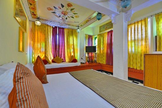 Hotel Anjani: Superior corner room