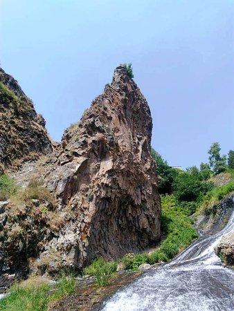 Armenien: Водопад, Джурмук