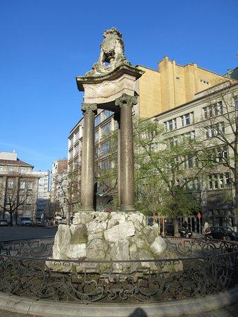 Monument Jean del Cour