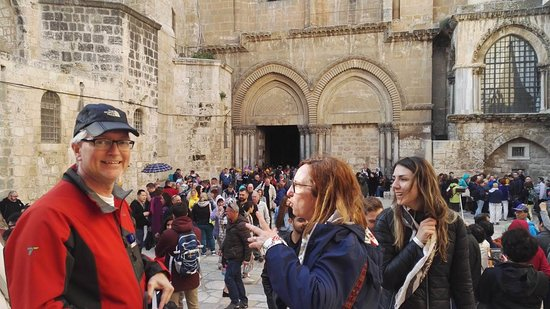 Con Elena y Antonio, Basilica del Santo Sepulcro, Jerusalem