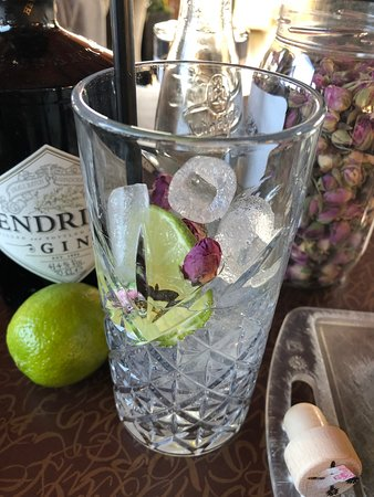 Gin & tonic, cocktails