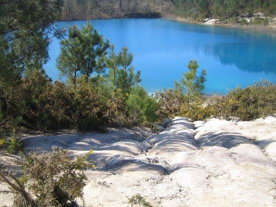 Les Carrières de Touvérac: eau limpide. A faire par beau temps