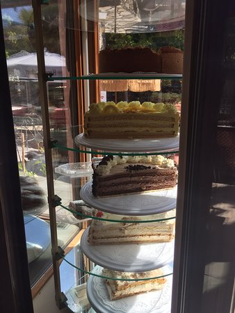 Parkcafe San Agustin: Every day fresh cake 😍