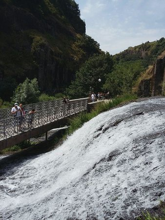 Armenien: Джурмукский водопад