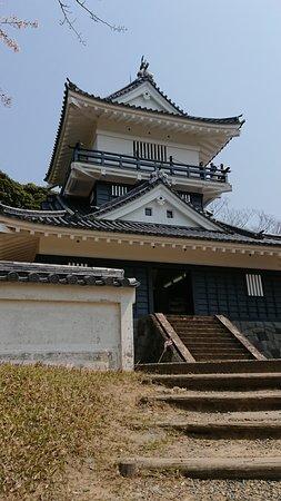 Kururijo Castle Kururijo Castle Site Archives: 久留里城の天守閣を望む