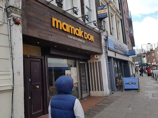 Mamak Don: Exterior