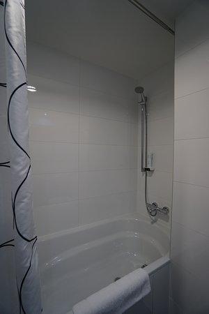Wenceslas Square Terraces: Bathtub