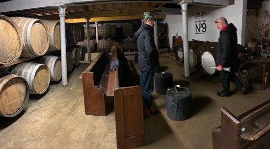 Bunnahabhain Distillery: Whisky from the cask in Warehouse 9