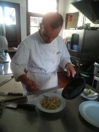 Ristorante MonteOro: Il nostro Chef, Alessandro Manzetti, al lavoro