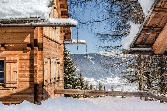 Almdorf Lungau: Chalet Dorf Lungau direkt an der Skipiste im Skigebiet Aineck/Katschberg