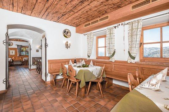 Almdorf Lungau: Chalet Dorf Lungau direkt an der Skipiste im Skigebiet Aineck/Katschberg Speisesaal