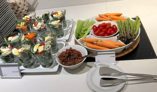 Club Lounge appetizers