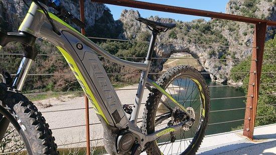 Bourg-Saint-Andeol, צרפת: #VélO Bord de l'eau 