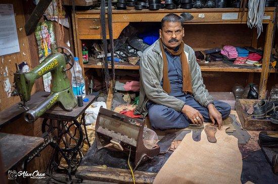 Good Vibe Adventure: Glass root in Bhutan