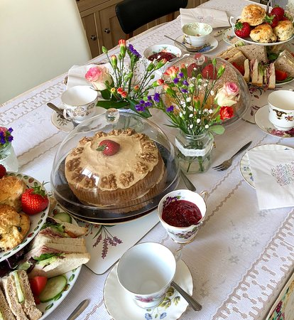 Brown's of Bexley: we can bring afternoon tea to you!