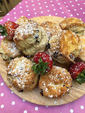 Brown's of Bexley: Homemade scones