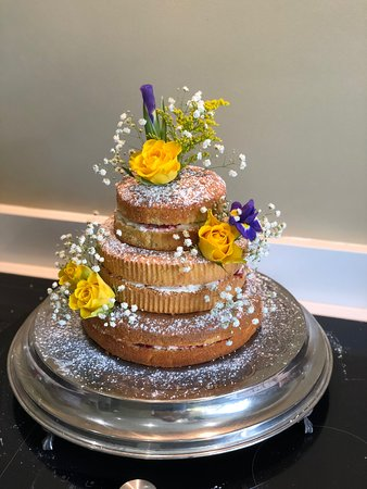 Brown's of Bexley: Cakes for all occasions
