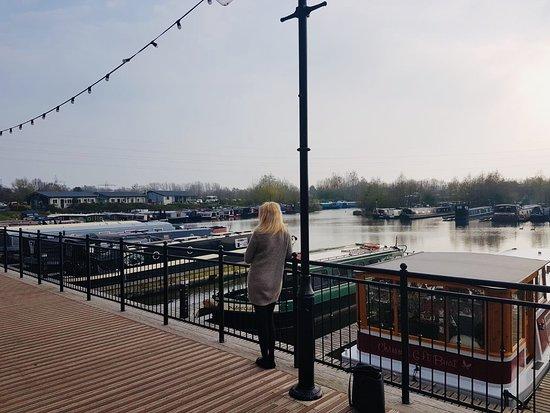 Willington, UK: An enjoyable Sunday walk around Mercia Marina 😊